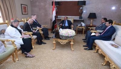 نائب الرئيس: استعادة اليمن تمثل أهم الطرق لردع المشروع الإيراني التخريبي بالمنطقة