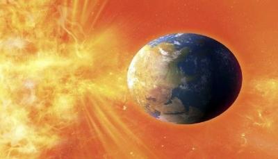 """عاصفة شمسية ضخمة تجتاح كوكب """"الارض"""" يوم الجمعة"""