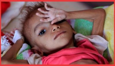 موقع أمريكي: الحوثيون يبادلون الغذاء بالسلاح لتمويل حروبهم ويستفيدون من 60% من المساعدات (ترجمة خاصة)