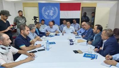 """بن عزيز: الحوثيون يتهربون من تطبيق الاتفاق و""""غريفيث"""" سيحاول اقناعهم الاربعاء"""