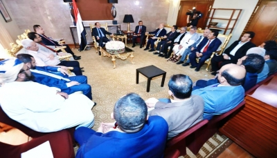 نائب الرئيس يناقش مع قيادة الأحزاب الخطة الزمنية لتنفيذ برنامج التحالف الوطني