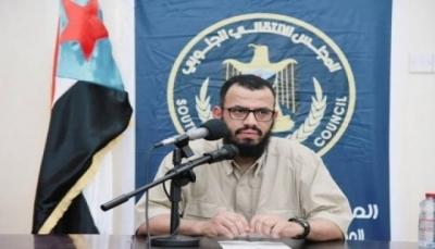 """عدن: مسلحون مجهولون يغتالون """"الردفاني"""" إمام وخطيب مسجد في الشيخ عثمان"""