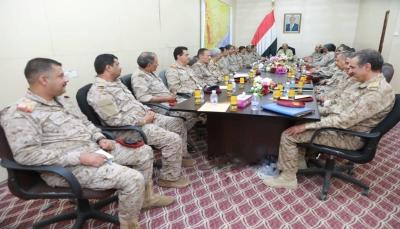نائب الرئيس يوجه الجيش بالعمل والتفاني للبناء المؤسسي واستكمال التحرير