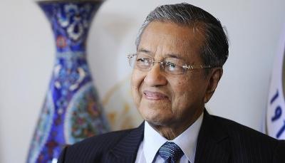 """""""مهاتير محمد"""".. تسعيني قاد ماليزيا إلى مصاف الدول المتقدمة"""