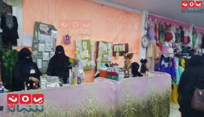 نساء يصنعن النجاح.. الحرف اليدوية طوق نجاة الأسر في زمن الحرب (تقرير خاص)