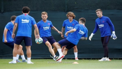 مانشستر يونايتد يتخذ الخطوة الأولى نحو ضم نجم برشلونة