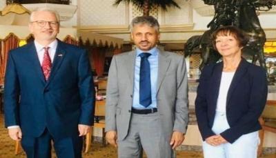 الشيخ المخلافي يلتقي سفيري ألمانيا وسلطنة عمان لدى اليمن