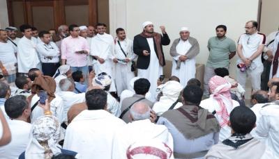 وزير الأوقاف يزور الحجاج من ذوي الشهداء بمكة المكرمة