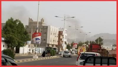 روائح البارود تقتل بخور العيد.. كيف يعيش سكان عدن وسط المعارك المشتعلة منذ ثلاثة أيام؟ (تقرير خاص)