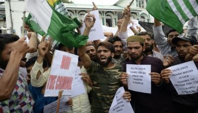 صدامات في كشمير وعمران خان يتصل بترامب قبيل جلسة مجلس الأمن