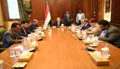 الرئيس هادي يرأس اجتماعاً استثنائيا لقيادة الدولة لمناقشة تداعيات انقلاب عدن