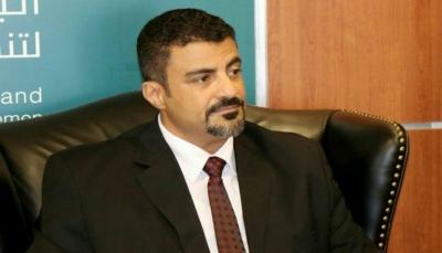 محافظ عدن يهنئ القيادة السياسية بإنهاء تمرد المجلس الانتقالي الاماراتي