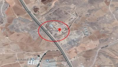 مقتل عشرات المختطفين لدى الحوثيين بغارات جوية استهدفت مبنى حكومي في ذمار