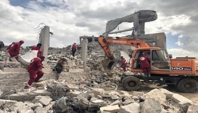 الصليب الأحمر: مقتل أكثر من 100 في هجوم للتحالف على سجن بذمار