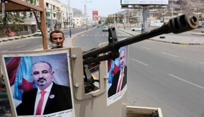 """الإمارات تعزز ميليشياتها في عدن بمدرعات و""""غريفيث"""" يعلن دعمه لمحادثات جدة"""