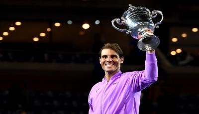 نادال يتربع صدارة التصنيف العالمي لمحترفي التنس