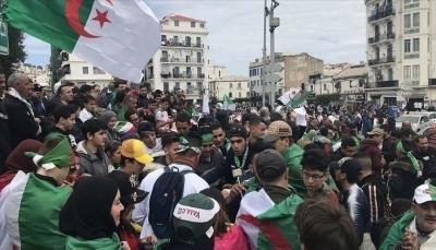 قيادة الجيش الجزائري: عهد صناعة الرؤساء ولى والشعب سيختار من يقوده