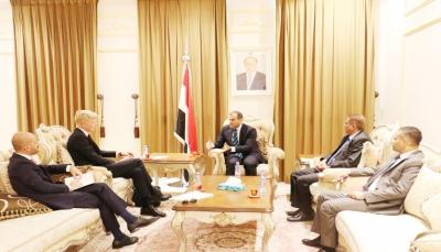 الاتحاد الأوروبي يؤكد دعمه للحكومة اليمنية ويعرب عن أملة في تنفيذ اتفاق السويد