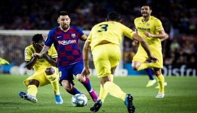 برشلونة يهزم فياريال ويخسر ميسي