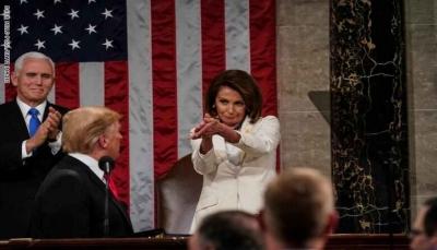 """رئيسة مجلس النواب الأمريكي: ترامب """"خان الأمن القومي"""""""
