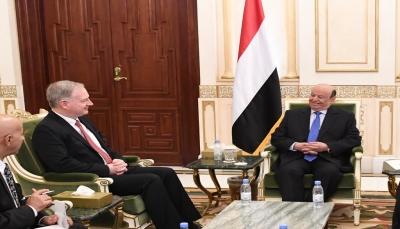 الرئيس هادي يذكّر أمريكا بتحذيراته المبكرة من المخاطر الإيرانية في اليمن