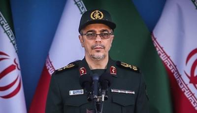 لأول مرة.. إيران تقر بتقديم الحرس الثوري الدعم لميلشيات الحوثي