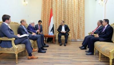 غريفيت يلتقي وفد حوثياً في مسقط بعد يوم من لقائه قادة المليشيا بصنعاء