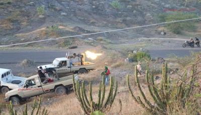 """في عملية عسكرية واسعة.. قوات الجيش تسيطر على منطقة """"الفاخر"""" غربي الضالع"""