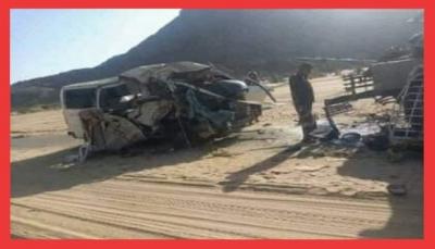 """وفاة 12 شخصا من أبناء """"تعز"""" في حادثة انقلاب حافلة ركاب بـ""""شبوة"""" (أسماء)"""