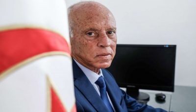 """استطلاعات رأي تشير إلى فوز كاسح لـ """"قيس سعيّد"""" برئاسيات تونس"""