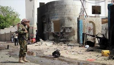 مقتل 13 شخصًا بينهم تسعة حوثيين في انفجار عبوتين ناسفتين بالساحل الغربي