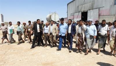 """الحكومة توجه بإنشاء محطة غازية لتوليد الكهرباء في حقول النفط بـ""""شبوة"""""""