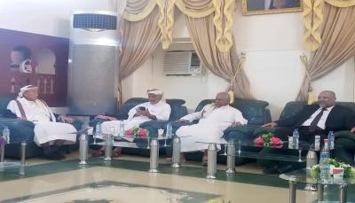 """وفد من حضرموت يصل السعودية لحضور مراسيم توقيع """"اتفاق الرياض"""""""
