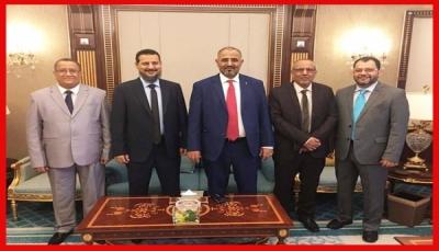 """بحضور الرئيس وقيادات الأحزاب.. وزير الإعلام يكشف عن موعد توقيع """"اتفاق الرياض"""""""