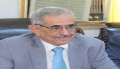 بسبب كورونا وتعنّت الحوثيين.. محافظ البنك المركزي يتوقع أسوأ أزمة اقتصادية