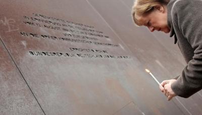 """الرئيس الالماني ينتقد """"الأنانية"""" الأميركية في الذكرى الثلاثين لسقوط جدار برلين"""