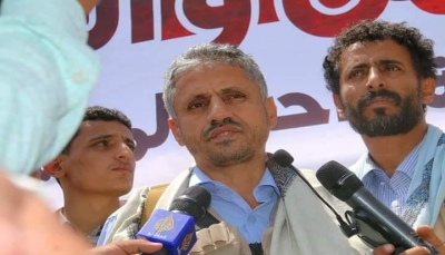 الشيخ المخلافي يقدم مساعدات مالية لجرحى تعز في مصر