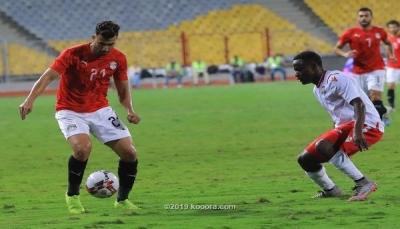 منتخب مصر يتعثر وسط جمهوره أمام كينيا في أمم أفريقيا