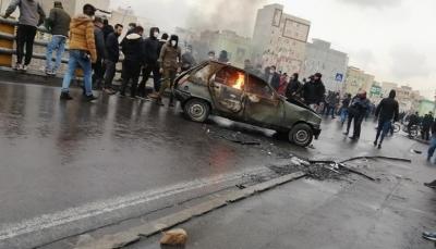 """عقب احتجاجات البنزين بإيران.. روحاني يعلن """"لا يوجد لدينا خيار"""" واعتقال ألف متظاهر"""