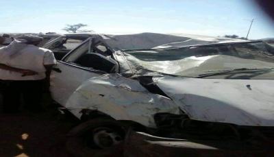 وفاة مواطن وإصابة 10 طالبات في انقلاب باص كان يقلهن شمال الضالع