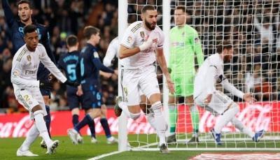 ريال مدريد يفوز بثلاثية على سوسيداد ويواصل خنق برشلونة
