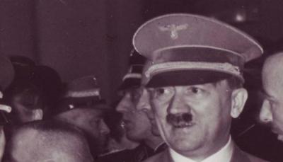 سويسري من أصول عربية يشتري قبعة هتلر بـ 50 ألف دولار