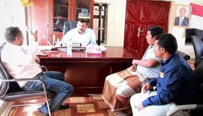 محافظ سقطرى يدعو مدراء المصارف والبنوك لتسهيل الخدمات للمواطنين