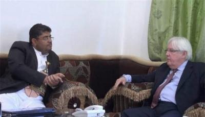 """الحوثيون يهاجمون """"غريفيث"""" ويتهمونه بإطالة أمد الحرب في اليمن"""