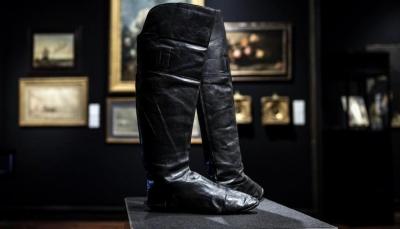 """بيع حذاء """"نابليون"""" بأكثر من 100 ألف دولار"""