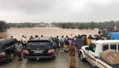 """عاصفة """"بافان"""" تضرب سقطرى والحكومة توجه بتشكيل غرفة عمليات"""