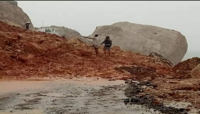 """الحكومة توجه باعتماد معدات شق ومبلغ طارئ لـ""""سقطرى"""" لمعالجة آثار الإعصار"""