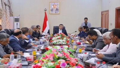 وزير يتهم رئيس الحكومة بتنفيذ الانقلاب على الرئيس هادي بتخطيط من الامارات