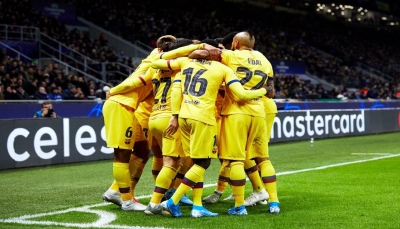 برشلونة يقتل أحلام إنتر ميلان ودورتموند يستفيد ويتأهل لثمن النهائي