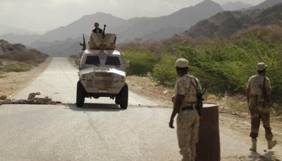 مقتل جندي وإصابة آخرين في كمين مسلح بشبوة والجيش يلاحق مطلوبين في أبين